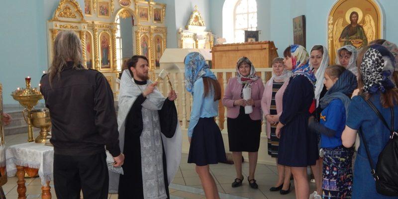 В храмах Петровска совершен молебен о учащихся перед экзаменами